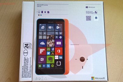 Lumia 640 XL box retro
