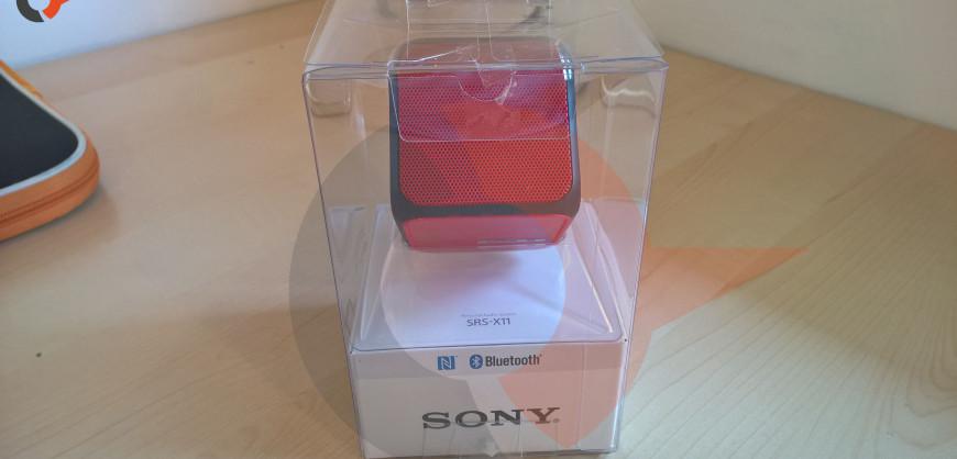 Sony SRS-X11 box (2)