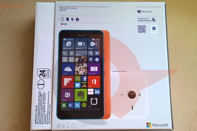 Lumia 640 XL box retro
