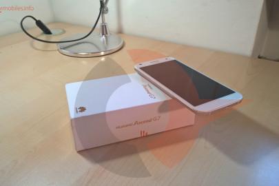 Huawei Ascend G7 box (2)