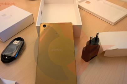 Sony Xperia Z5 premium box (5)